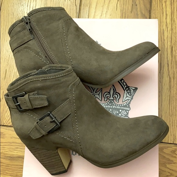 Womens suede leather boots